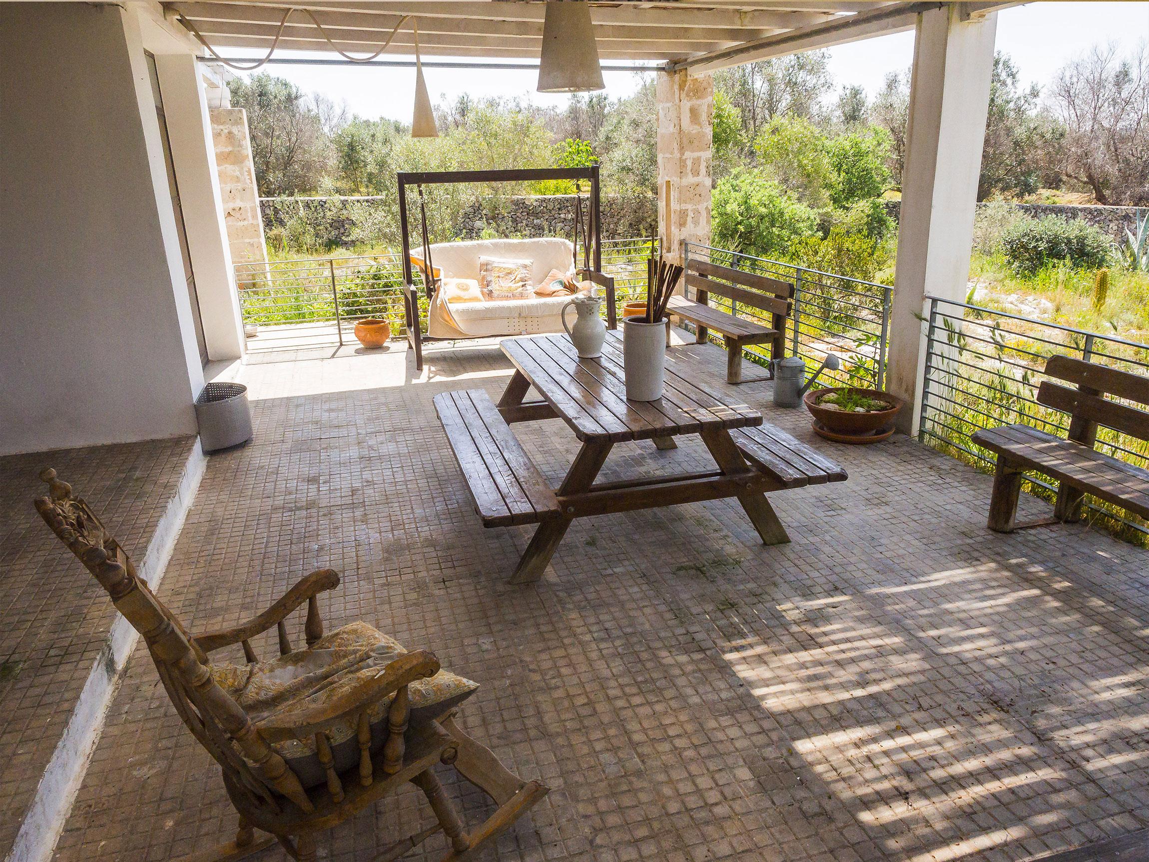 veranda esterna della Tenuta delle Agavi di MadeInGallipoli